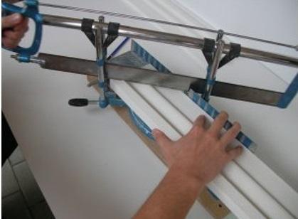 Stuckleisten auf Gehrung schneiden - Stuckleisten Ecken schneiden
